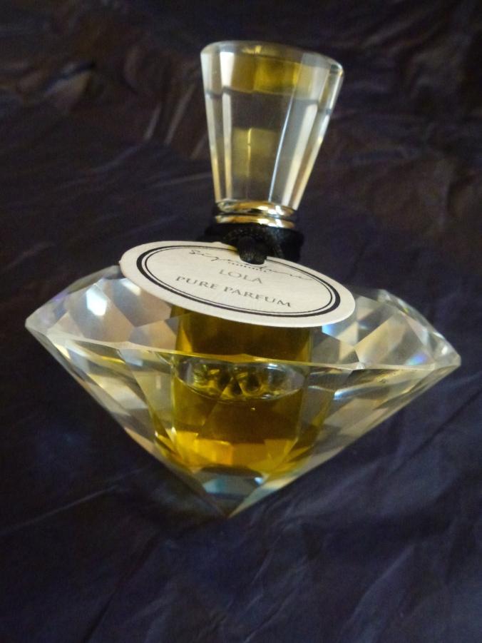 Signature fragrances Lola parfum